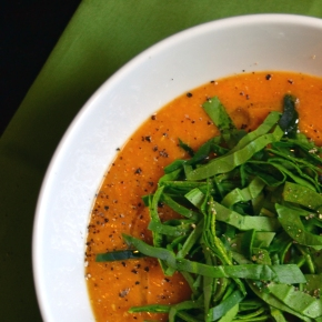 Sunday Soup // Red Lentil Coconut-Curry with Spinach